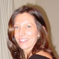 Dra. Vivian Schivartche